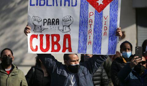 EL LAMENTO DE LOS CUBANOS