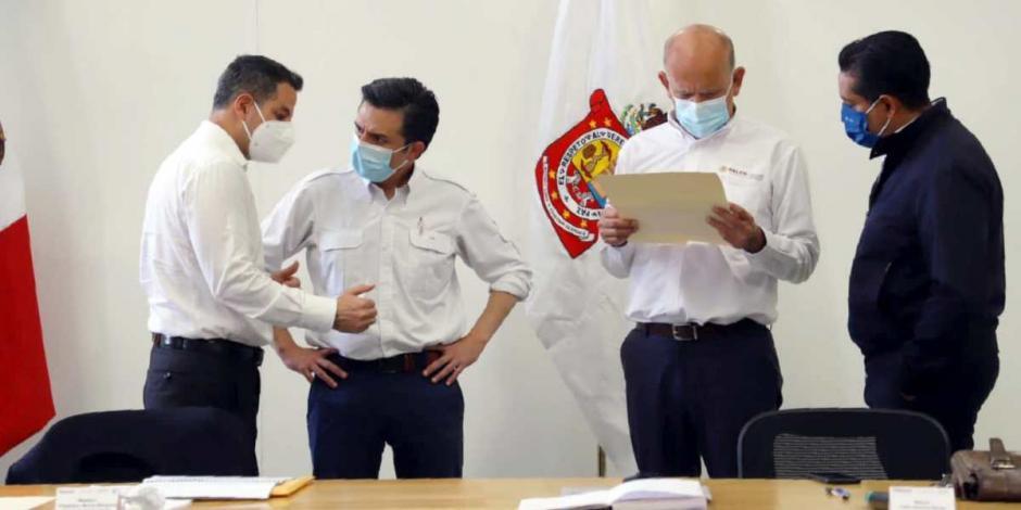 BUSCA ALEJANDRO MURAT REORDENAR SECTOR SALUD DE OAXACA