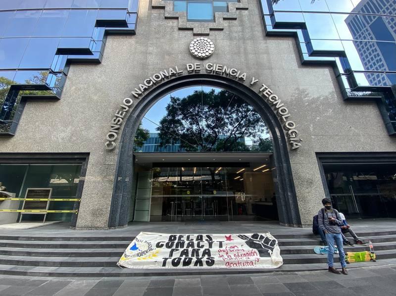 MÉXICO: DONDE ES MÁS PELIGROSO SER CIENTÍFICO QUE NARCO